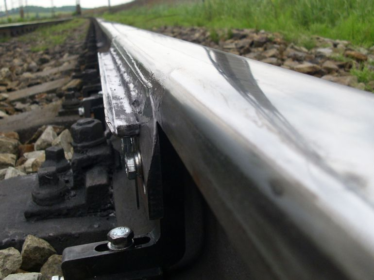 <p><strong>Applying of CHFC material with blade</strong><br />